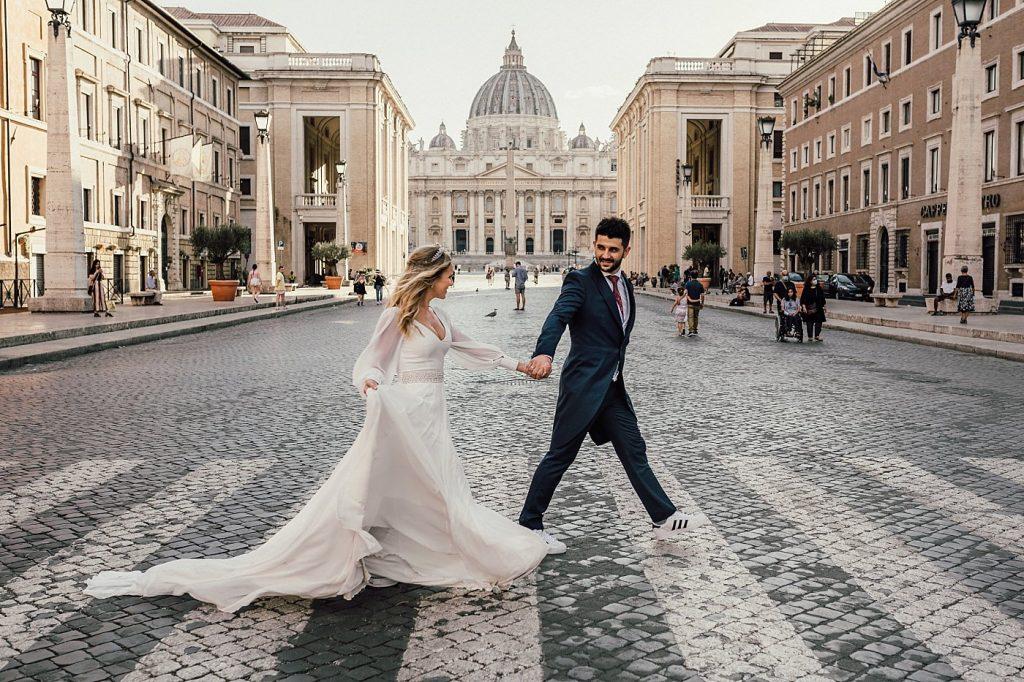 Postboda en Roma 13