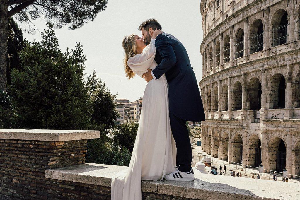 Postboda en Roma 59
