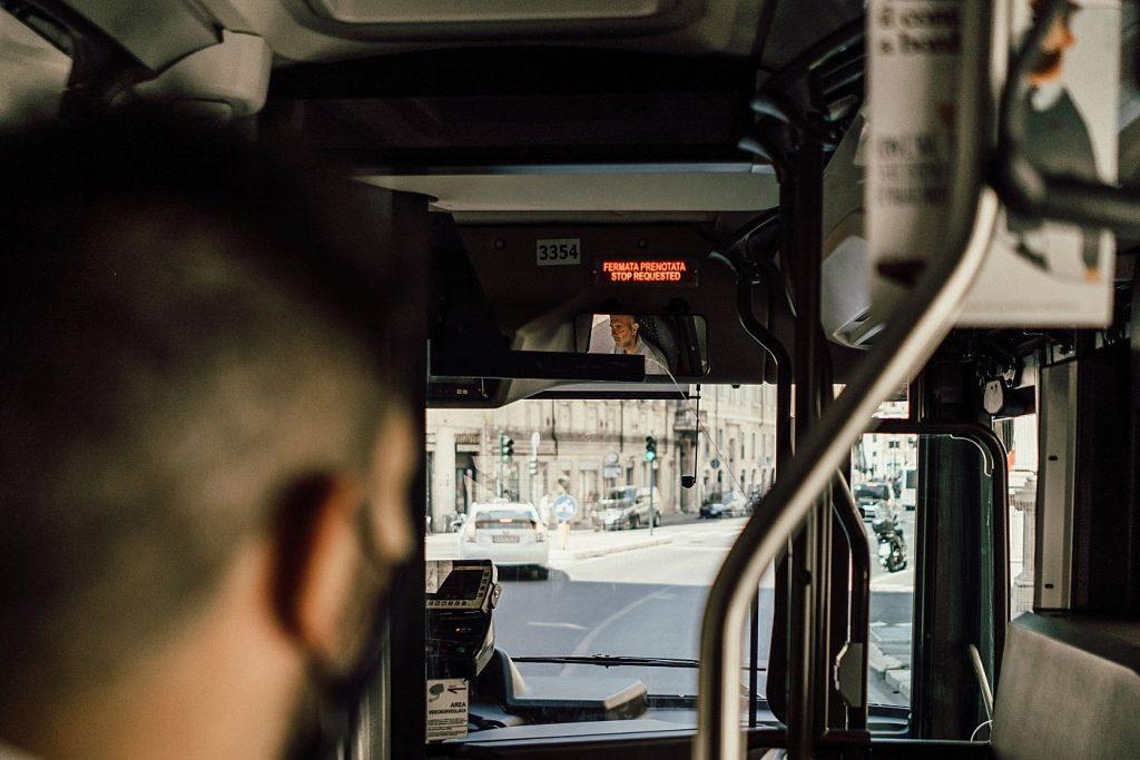Postboda en Roma 67
